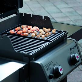 Plancha weber en fonte pour barbecue spirit original e210 for Housse barbecue weber e210