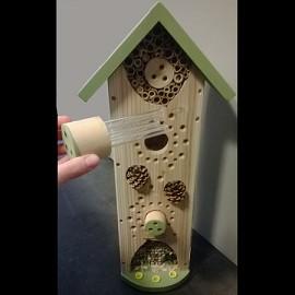 h tel insectes tout confort centre d 39 observation plantes et jardins. Black Bedroom Furniture Sets. Home Design Ideas