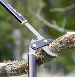 Coupe branches lame franche cr maill re fiskars - Coupe branche a cremaillere ...