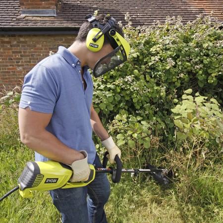 Ne négligez pas votre sécurité : visière, casque anti-bruit...