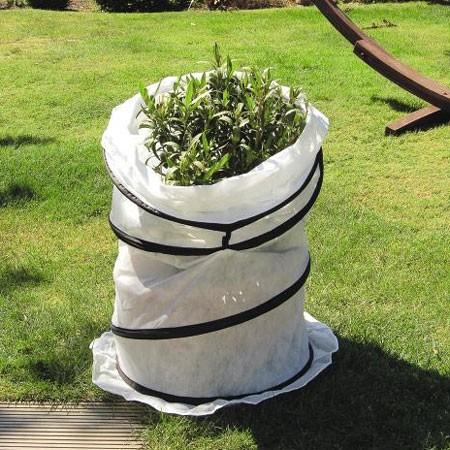 pr parez votre jardin passer l 39 hiver gamm vert. Black Bedroom Furniture Sets. Home Design Ideas