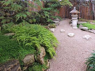Cr ez un massif japonais en 3 tapes gamm vert for Arbuste jardin japonais