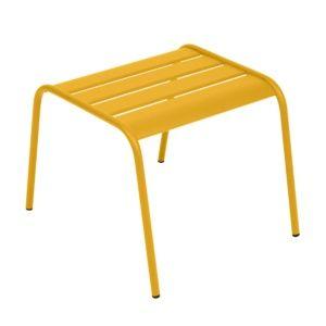 Table basse / repose-pieds Fermob Monceau acier miel – empilable