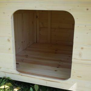 Petite niche pour chien en bois