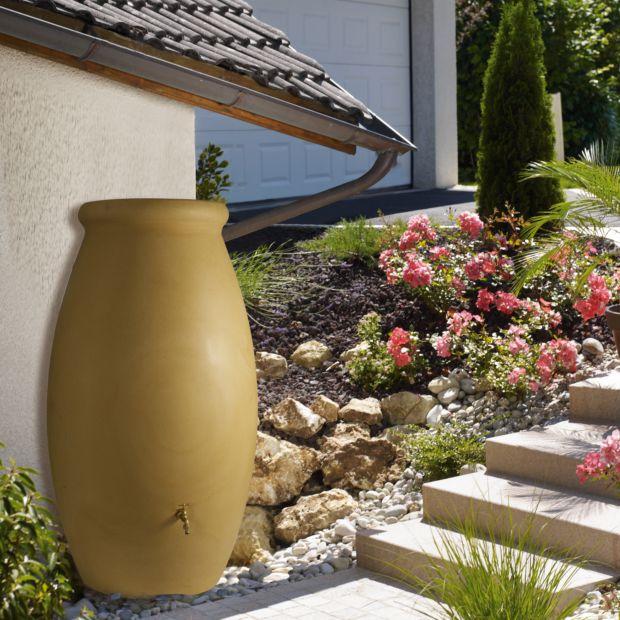 r cup rateur d 39 eau beige en jarre 500 litres bellijardin. Black Bedroom Furniture Sets. Home Design Ideas