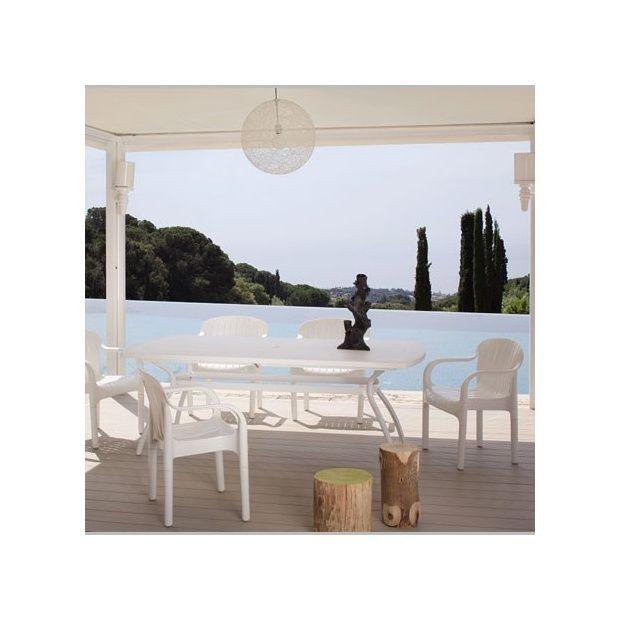 Salon de jardin pour 6 personnes en r sine blanche for Salon jardin polypropylene