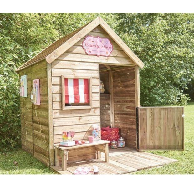 maisonnette enfant bois trait heidi avec terrasse banc plantes et jardins. Black Bedroom Furniture Sets. Home Design Ideas