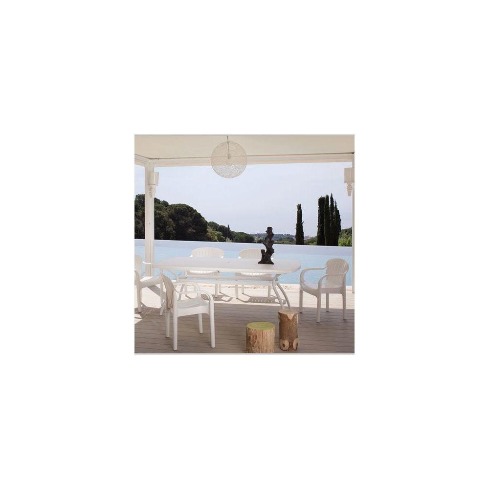 Salon de jardin pour 6 personnes en r sine blanche - Table a rallonge pour 16 personnes ...