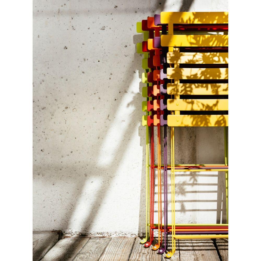 chaise pliante fermob bistro acier piment plantes et jardins. Black Bedroom Furniture Sets. Home Design Ideas