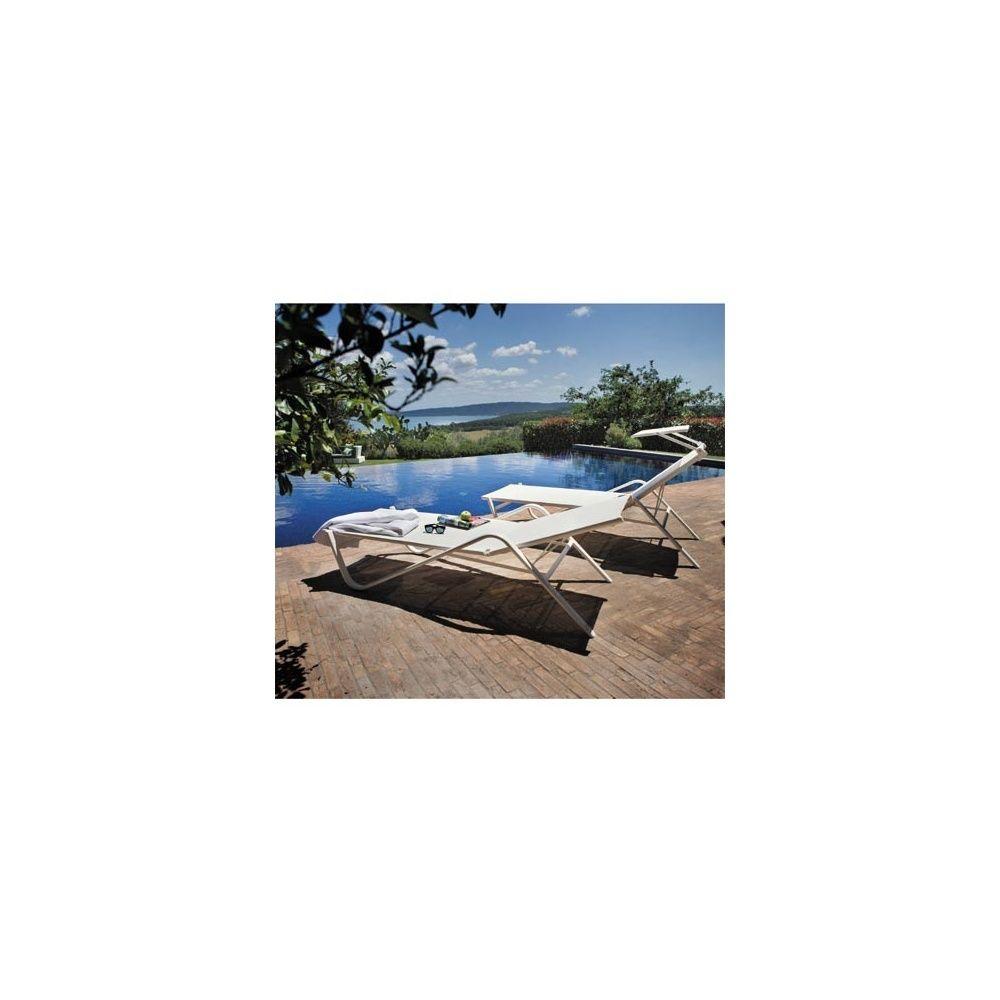 bain de soleil holly r glable et empilable avec pare. Black Bedroom Furniture Sets. Home Design Ideas