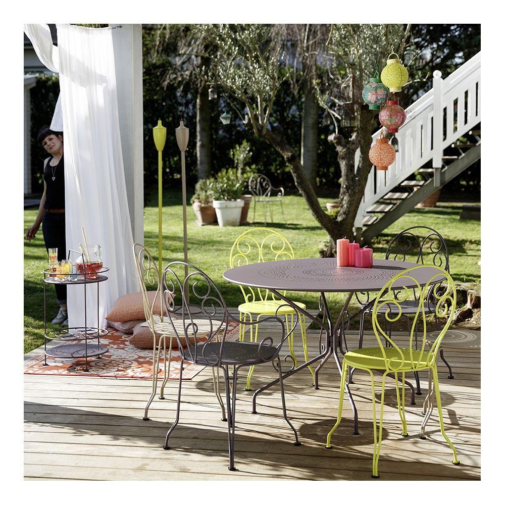 Chaise fermob montmartre acier verveine plantes et jardins - Table jardin romantique fort de france ...
