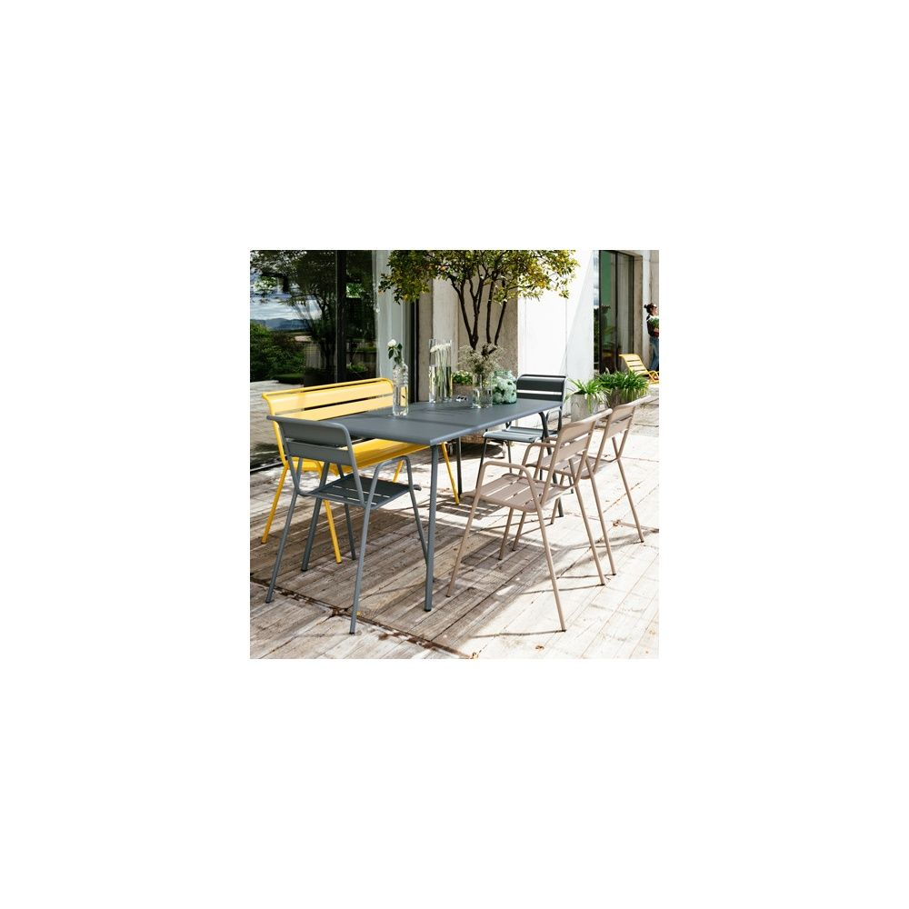 salon de jardin fermob monceau table l146 l80cm 4 chaises 1 banc plantes et jardins. Black Bedroom Furniture Sets. Home Design Ideas
