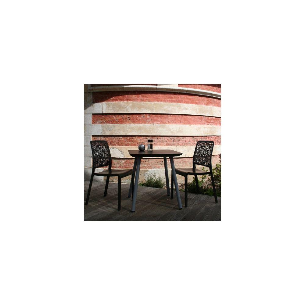 salon de jardin 2 personnes gu ridon julien 70 x 70 cm et 2 chaises city mangan se plantes. Black Bedroom Furniture Sets. Home Design Ideas