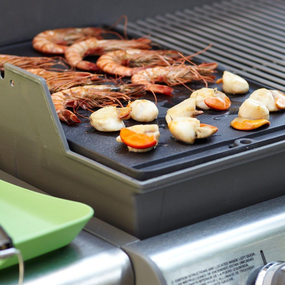 plancha weber en fonte pour barbecue genesis s 233 rie 300 plantes et jardins