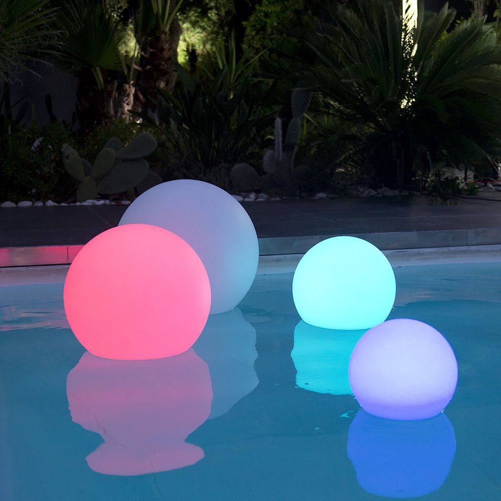 boule lumineuse multicolore lumisky bobby c40 plantes et jardins. Black Bedroom Furniture Sets. Home Design Ideas