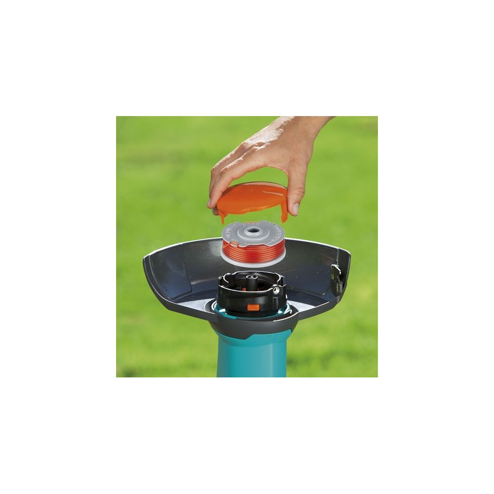 Coupe bordures batterie smallcut 300 accu gardena for Chargeur gardena coupe bordure