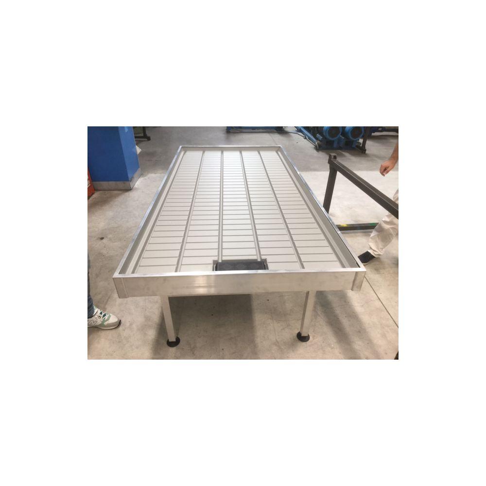 Table de travail en aluminium pour serres plantes et jardins for Table de 4 et 5